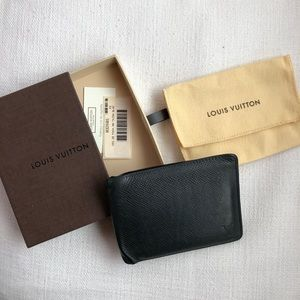 Louis Vuitton Men's Taiga Slender Wallet